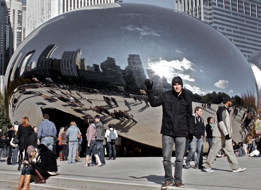 On my road trip I visited the Chicago bean in Millennium Park.